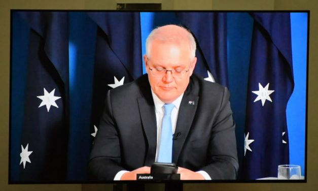 دينيس أتكينز: تصرفات سكوت موريسون الغريبة تُظهر أن أستراليا ستذهب إلى صناديق الاقتراع في عام 2021