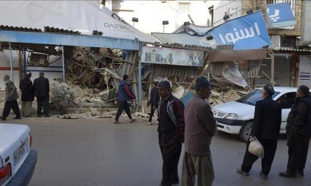 أضرار واسعة وجرحى إثرى زلزال يضرب جنوب غربي إيران