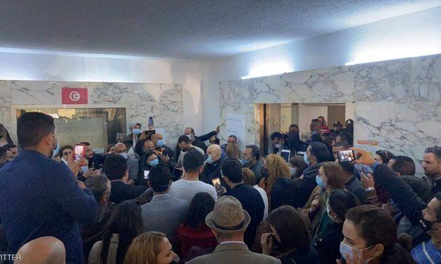 الشرطة التونسية تقتحم مقر وكالة الأنباء لتمكين كمال بن يونس رئيسا للوكالة