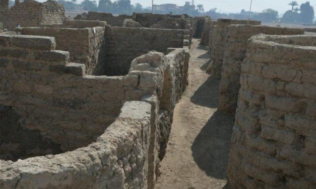 المدينة المفقودة تعلن عن كنوزها بمدينة الأقصر