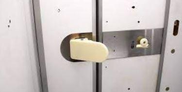 ابتكار جديد فى حمامات الطائرات لمواجهة خطر عدوى فيروس كورونا